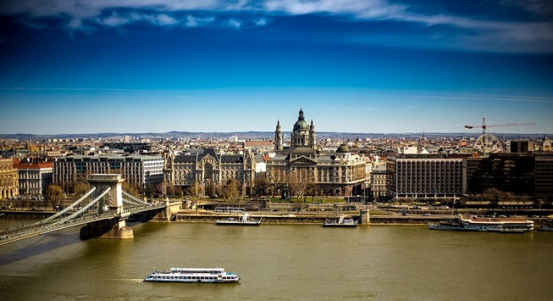 Budapest river cruise trip